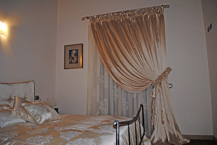 Drapes and upholstery products - Tende country per camera da letto ...